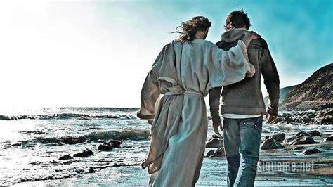 imagenes de jesus hablando con un joven jesus nuestro amigo fiel 2 timoteo 4 16 18 charles stanley