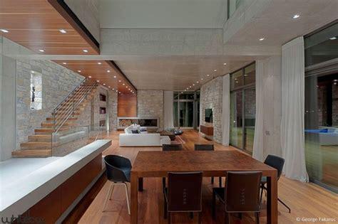 stone house salon imposante maison contemporaine en pierres et b 233 ton en gr 232 ce construire tendance