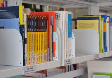 scaffali per biblioteche scaffalature compattabili procompat by mobilrot dal 1954