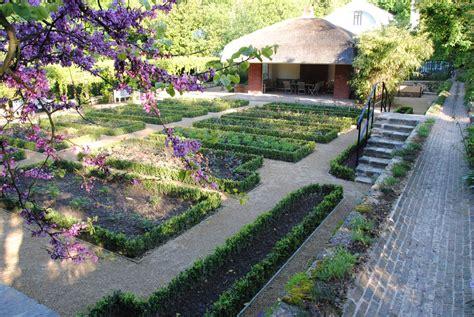 museum and tuinen van buuren de subtiele restauratie van de tuin van het van buuren huis
