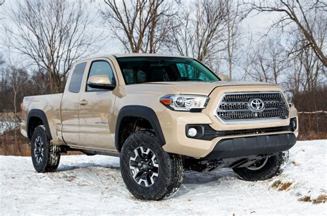 2016 toyota tacoma double cab review ratings edmunds image gallery 2016 tacoma