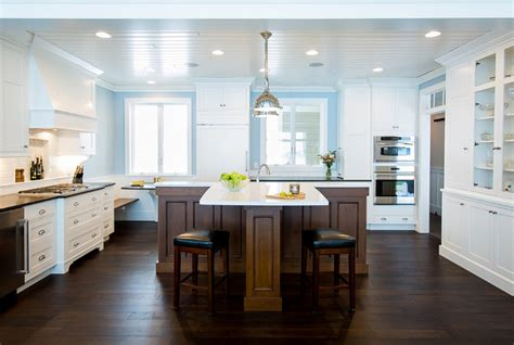 t shaped kitchen islands t shaped kitchen island this want black island and white