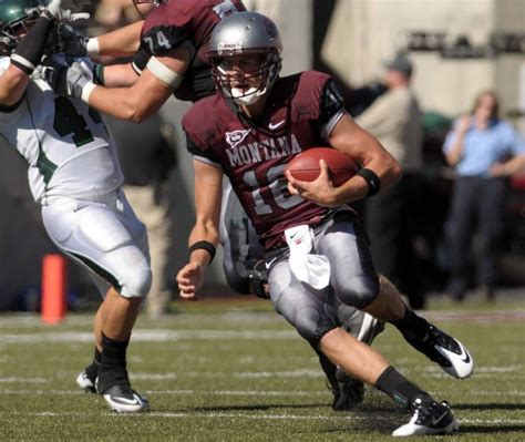 montana grizzlies football i aa fcs college football roper steps in for injured montana qb selle griz