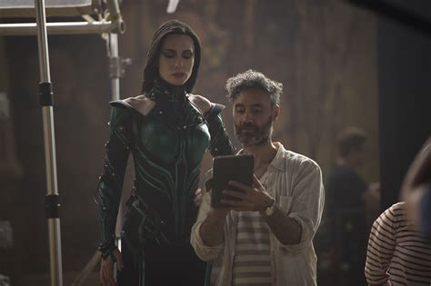 thor ragnarok film fragman cate blanchett loved wearing lycra for thor people com