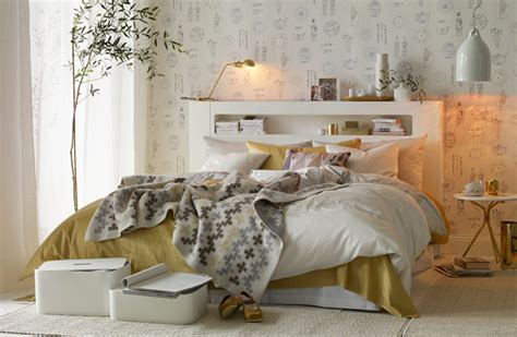 White And Gold Bedroom Decor chic gold and white bedroom design digsdigs