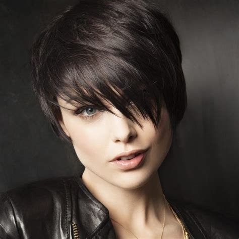 Short Haircuts for Round Faces   WardrobeLooks.com