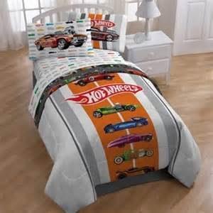 wheels size 4 bed in a bag with sheet set