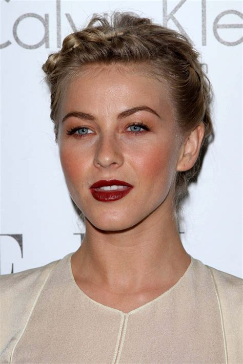 how can i get julianne houghs haircut get the look julianne hough hairstyle more com