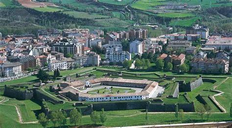 Floor Plan With Dimensions by Jaca Spain Tourism In Jaca Spain