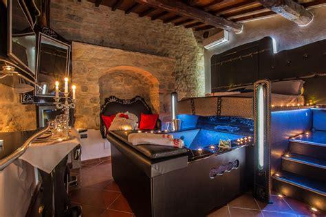 agriturismo con vasca idromassaggio in suite con vasca idromassaggio in toscana agriturismo