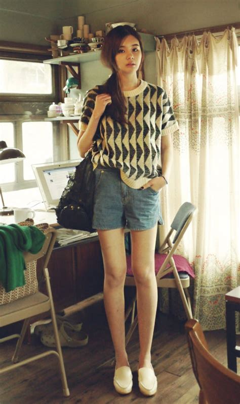 Blouse Printed Animasi 17 best images about people 人物 on blouses fixie and passport wallet