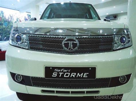 the all new tata safari 2015 the best 4x4 suv for indian tata storme car pictures images gaddidekho com