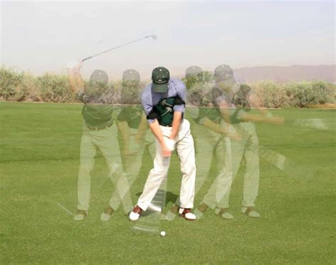 how to swing a golf club how to swing a golf club improve your golf swing ubergolf