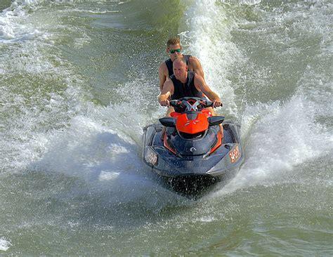 waterscooter besturen foto jetski of waterscooter van arnowel