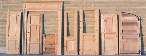 restauro persiane in legno sverniciatura serramenti in legno