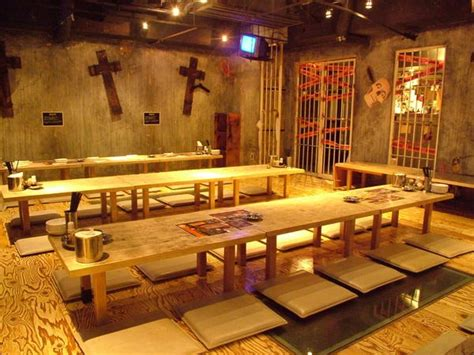 bathroom themed restaurant the most bizarre and weird theme restaurants in the world zdwired