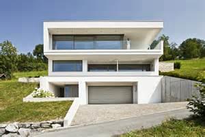 Garage Living einfamilienhaus hanghaus klaus modern edelstahlpool