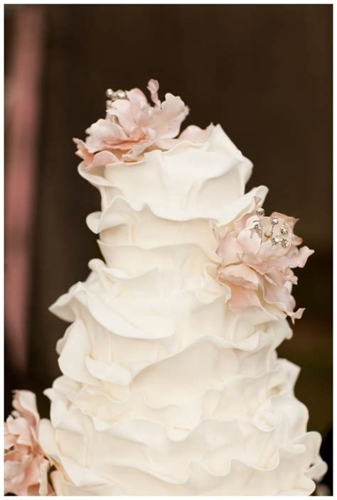 25 ombre ruffle wedding cake wonders beautiful wedding and shabby chic