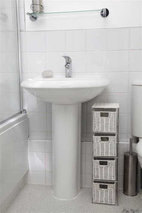 bathroom pedestal sink storage 25 best ideas about pedestal sink storage on pinterest