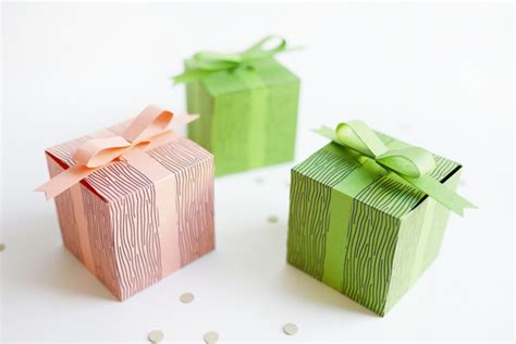 How To Make Small Gift Boxes From Christmas Cards - printable faux bow gift boxes