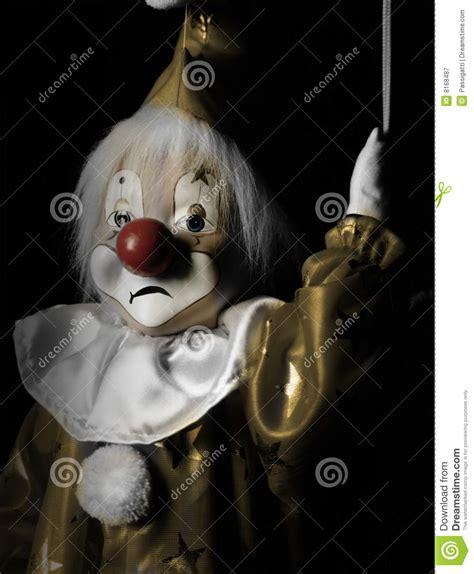 imagenes surrealistas de payasos tristees payaso triste de la marioneta imagen de archivo imagen