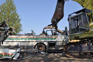 sfascia carrozze roma demolizioni mezzi recupero mezzi smaltimento mezzi