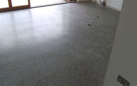 Achieving different finishes with polished concrete   P Mac