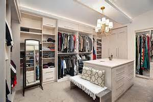 How to make your walk in closet resemble a chic boutique rooms