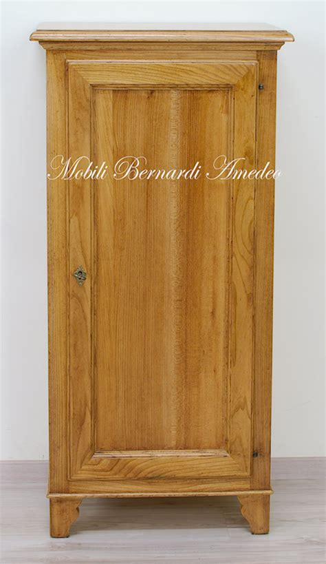 armadietti in legno stipi dispense armadietti in legno armadietti