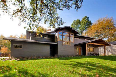 prairie style architecture prairie style cowden house hits the green mark in kansas