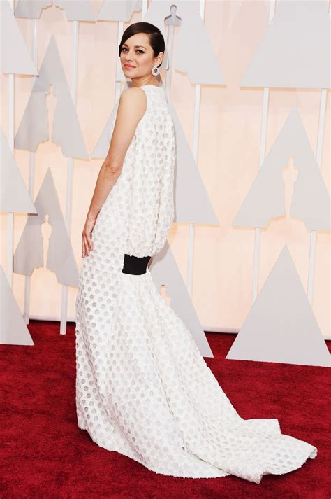 Marion Cotillards Oscar Dress From Runway To Carpet by Marion Cotillard 2015 Oscars Carpet In