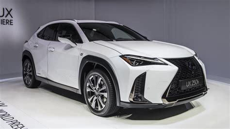 2019 Lexus Ux Hybrid by 2019 Lexus Ux 200 And Ux 250h Crossovers Revealed At