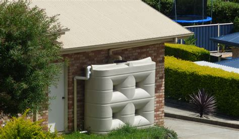 water holding tank for house conserving rain water in a tank for efficient water use
