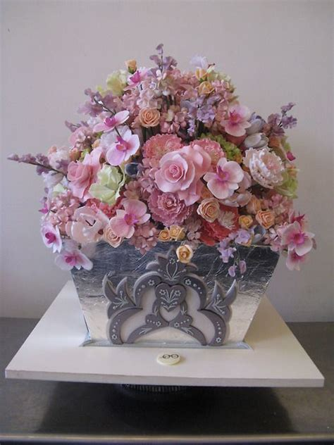 Cake Vase by 1601 Best Images About Cakes Floral Wedding On
