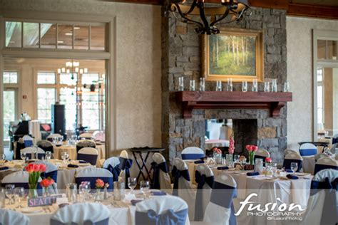 classic navy  coral wedding  ballantyne country club  charlotte nc southern bride groom