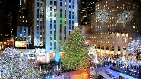 le sapin de no 235 l du rockfeller center s illumine 224 new