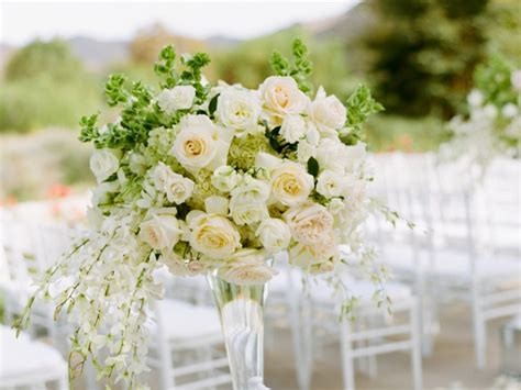 Wedding Tips Flower Ideas by 10 Wedding Flower Arrangement Tips And Tricks Hobby Lesson