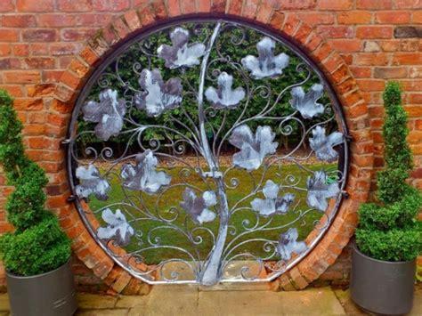 Deko Ziegelwand Garten by Gartenm 246 Bel Ideen Die Einen Hauch Kunst In Ihrem Garten