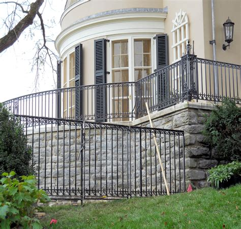 custom outdoor railing photos