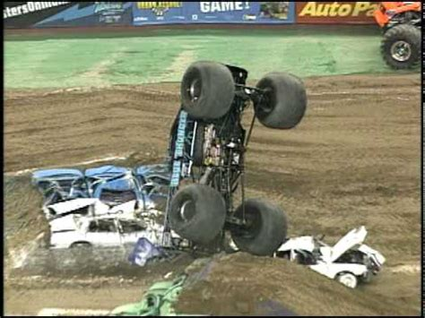 monster truck crash videos youtube monster jam crash madness 6 roll model trailer youtube