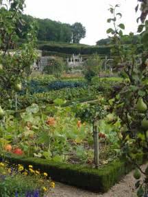 ewa in the garden 24 beautiful photos of edible landscape ideas hand picked