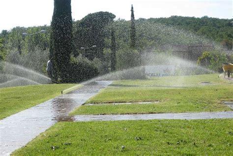sistemi di irrigazione per giardini impianto irrigazione giardino impianto irrigazione