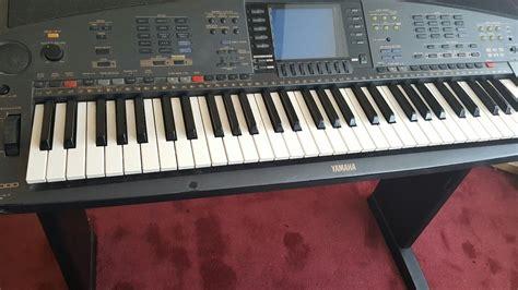 Electric Organ yamaha electric organ with owners manual 163 100 00