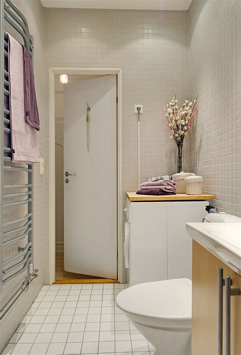 long bathroom ideas for the small shower room