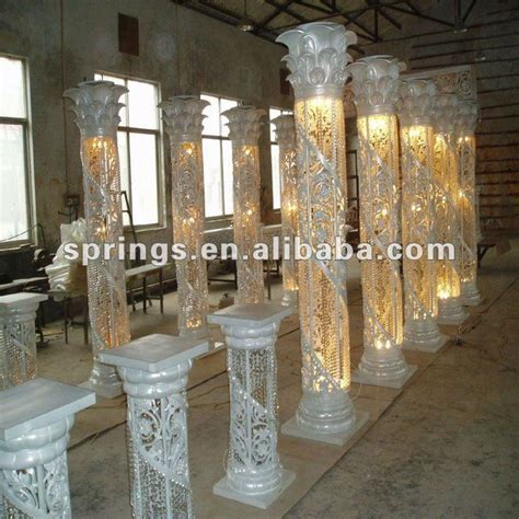 1000  ideas about Crystal Wedding Decor on Pinterest