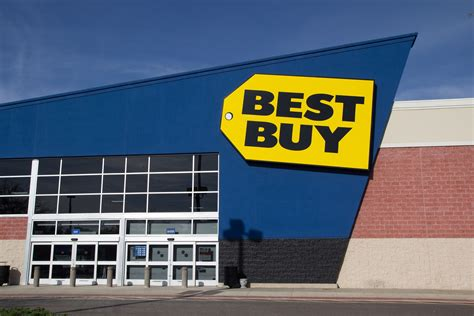 besta buy best buy cfo leaves company