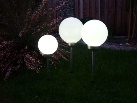 garten leuchtkugel solar solar led kugelleuchte 3er set 30 25 20 cm gartenkugel