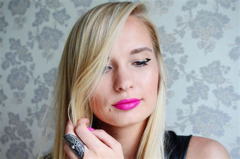 Eyeliner Me Oriflame call me maddie makeup look i graphic with oriflame