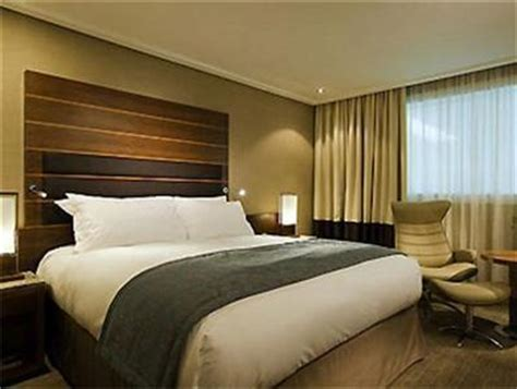 best hotel rooms in the world does sofitel heathrow deserve its recent award as the best airport hotel in the world