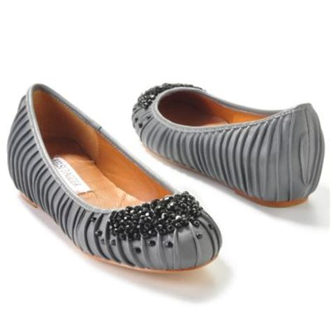 Sepatu Wakai Black Flower flat shoes bling bling gorgeous shoes